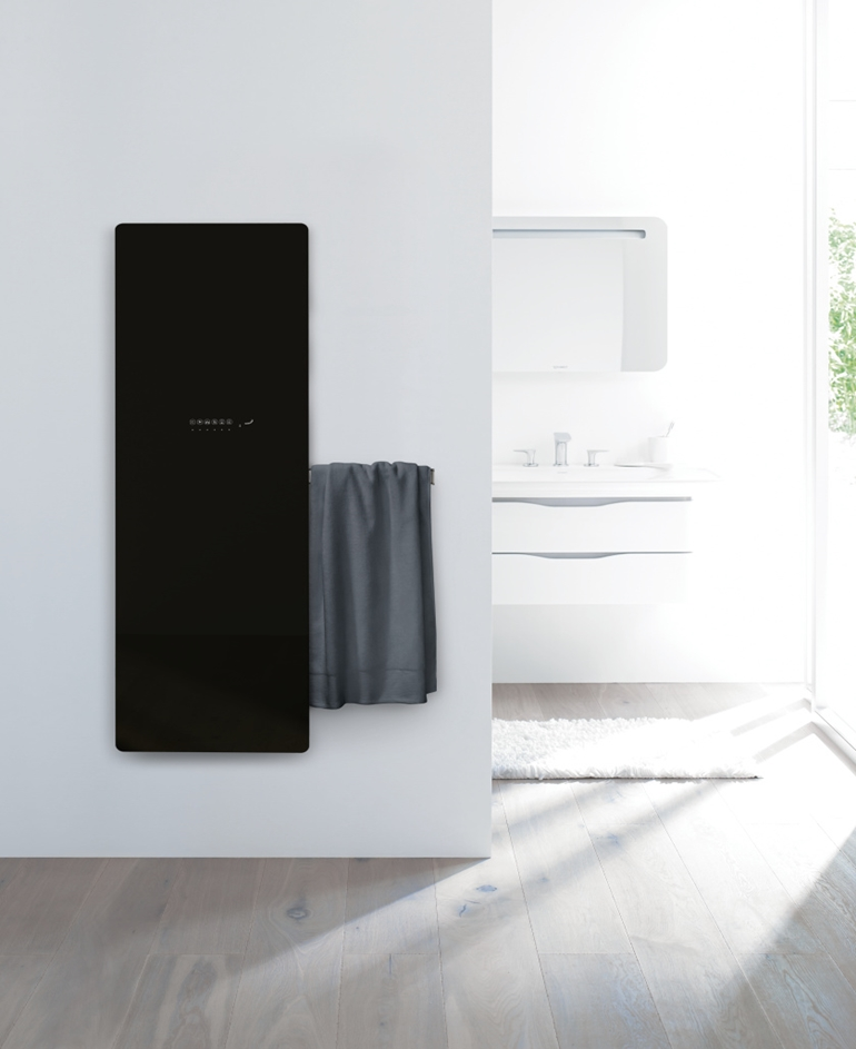 Zehnder_RAD_Deseo Verso_bathroom_black_002_a4_Office_75889